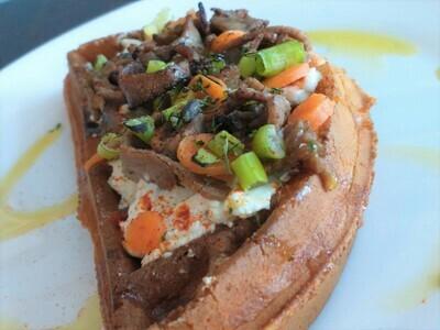 ROAST BEEF   (1/2 waffle)
