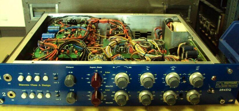 1084 Dual EQ pre amp