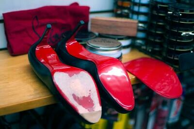 Protective Mirror RED Soles