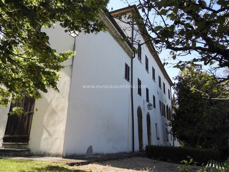 CITTA' DI CASTELLO. Residenza di pregio in posizione collinare