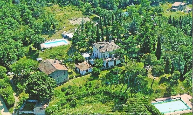 TUORO. Splendida proprietà con vista lago