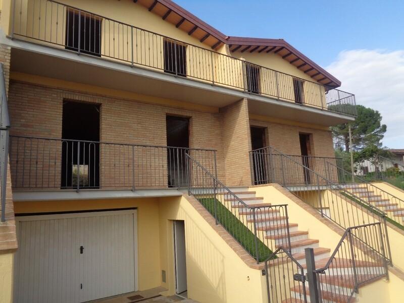 PONTE FELCINO. Villetta a schiera di nuova costruzione in bella zona residenziale