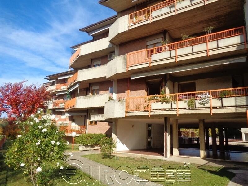UMBERTIDE. Appartamento di 110 mq in zona Pineta Ranieri