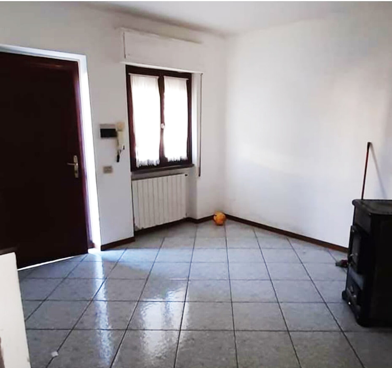 TRESTINA. Appartamento di mq 70 con ingresso indipendente