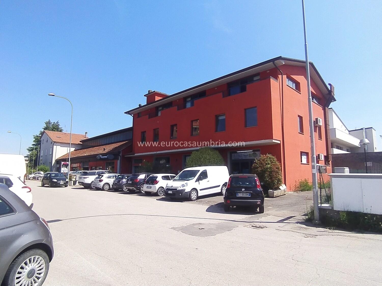CITTA' DI CASTELLO. Ufficio di 65 mq in zona commerciale