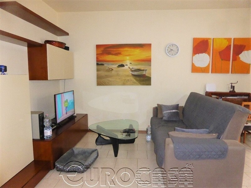UMBERTIDE. Appartamento di 65 mq con ingresso indipendente e grande lastrico solare