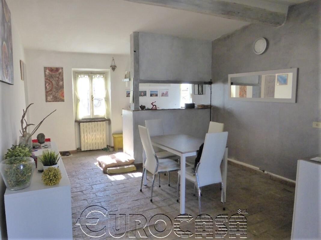 UMBERTIDE. Appartamento di 65 mq ristrutturato in stile, vicino Piazza San Francesco