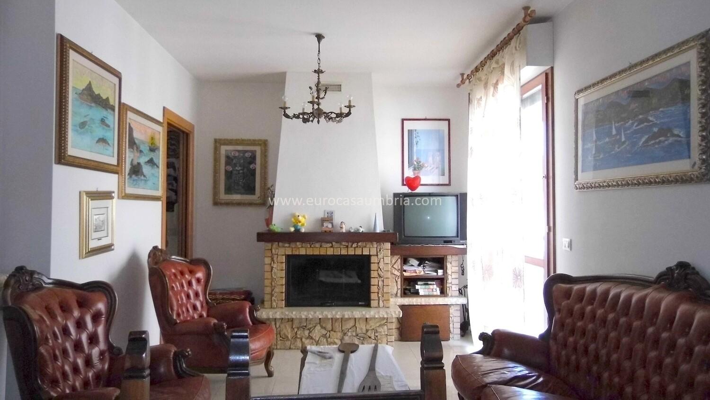 MELTINA. Appartamento seminuovo di 80 mq in trifamiliare