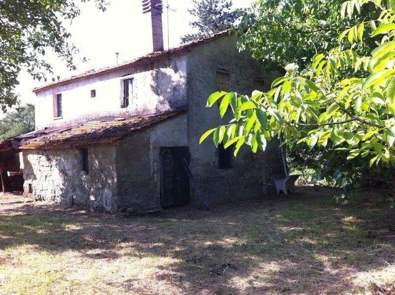 BADIA SAN CASSIANO. Casa indipendente di 120 mq con terreno