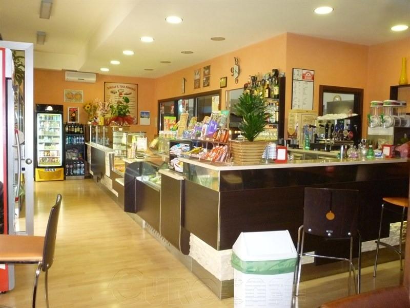 UMBERTIDE. Attività di pizzeria, bar, gelateria
