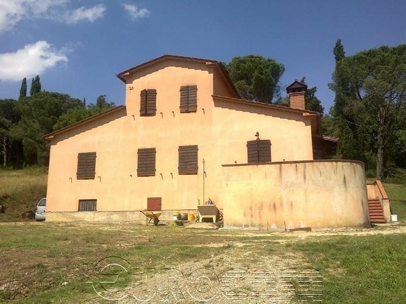 LISCIANO NICCONE. Villa dindipendente di 115 mq con giardino