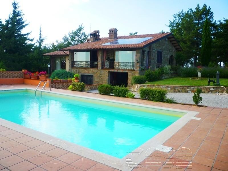 CASTEL RIGONE. Splendida villa di 240 mq vista lago
