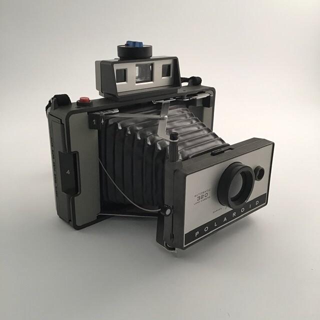 Polaroid 320 With Case