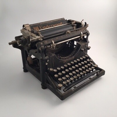 Antique Underwood Typewriter Model 5