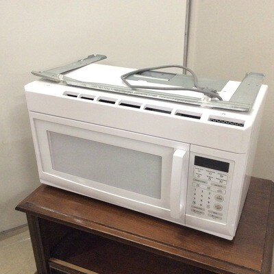 Magic Chef Under-Cabinet Microwave