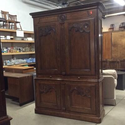 Solid Wood Double-Door Bar Cabinet