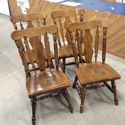 Set of 4 Solid Wood Colonial-Style Chairs