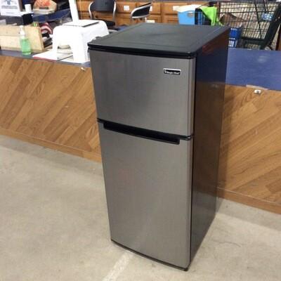 Magic Chef Bar Refrigerator
