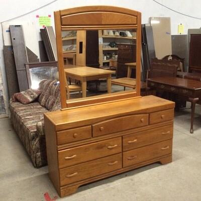 7 Drawer Dresser w/ Mirror