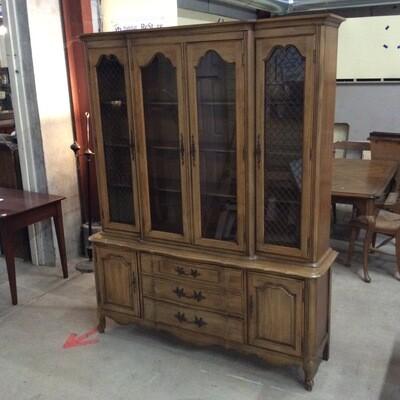 Thomasville China/Display Cabinet