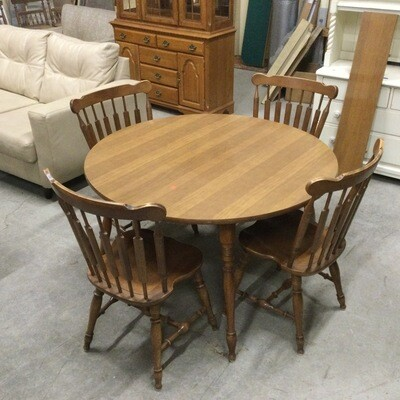 Rockport Maple Kitchen Table & 4 Chairs Set