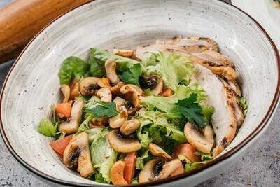Салат с томлёной куриной грудкой