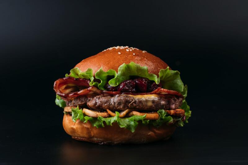 Прага-Бургер с котлетой из фермерской говядины