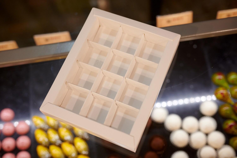 Коробка для конфет на 12 шт