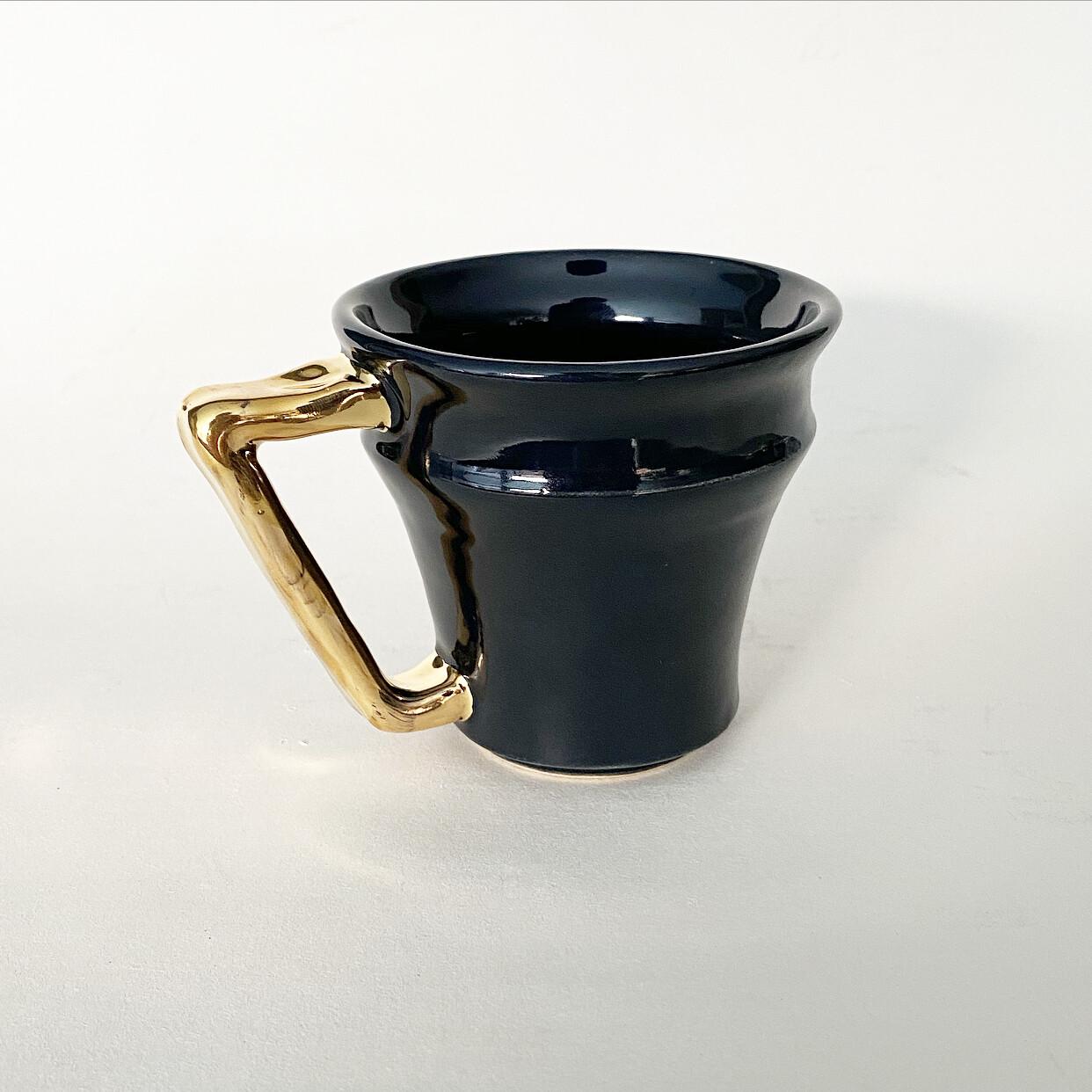 8oz Gold Handle black Mug