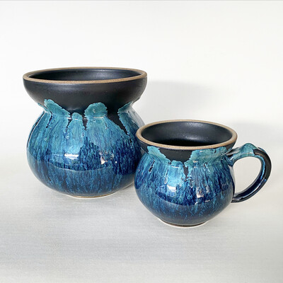 Upside down ocean glaze vase and mug set