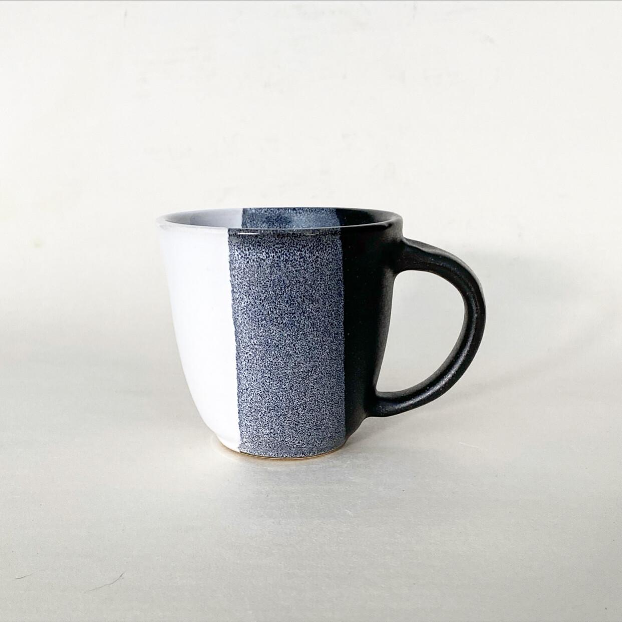 10oz Black and white Mug