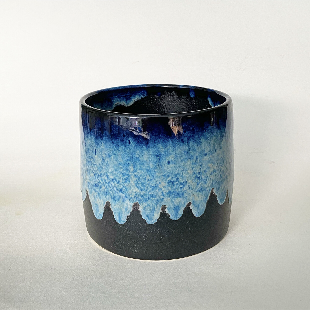 Small blue ombré Pot