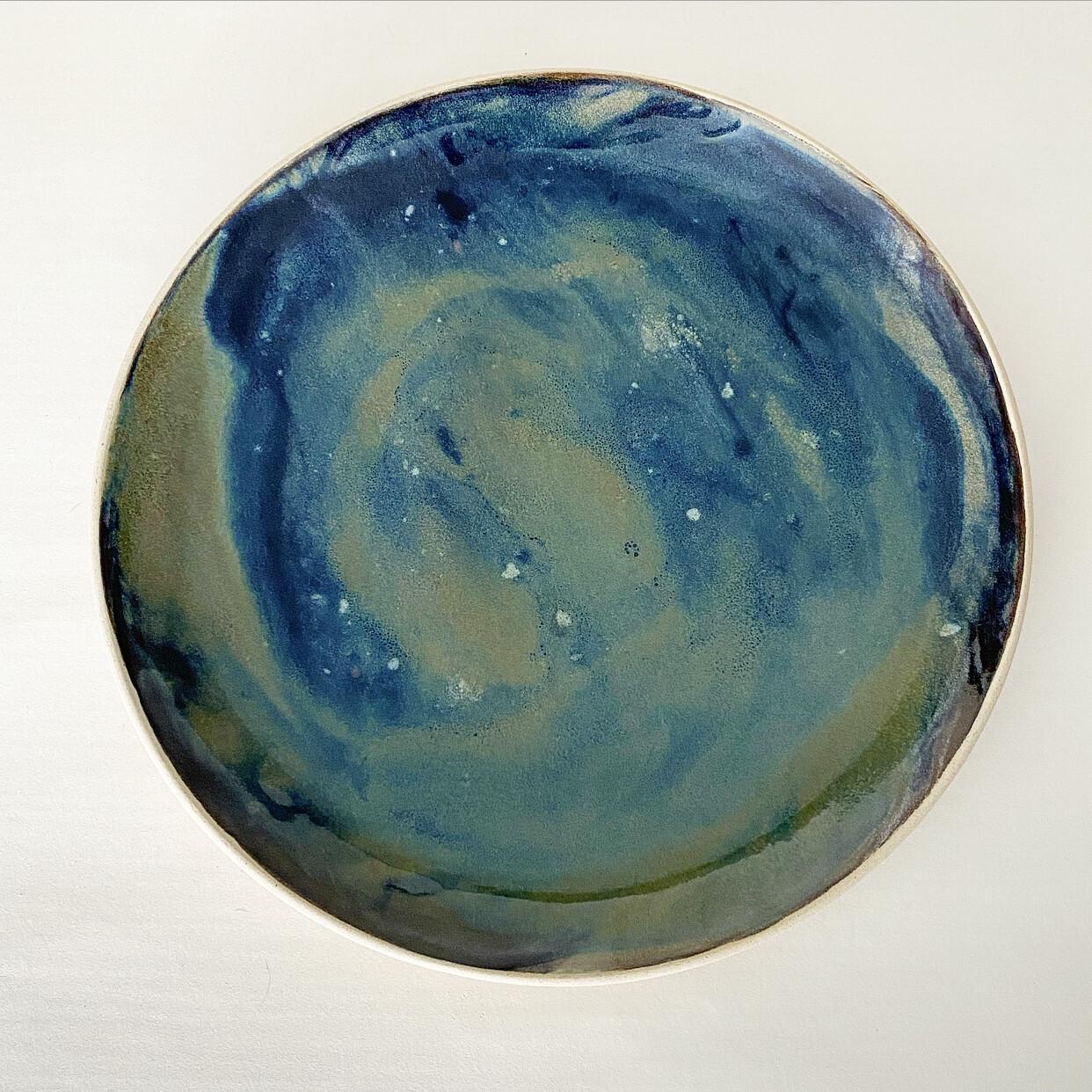 Medium poured platter