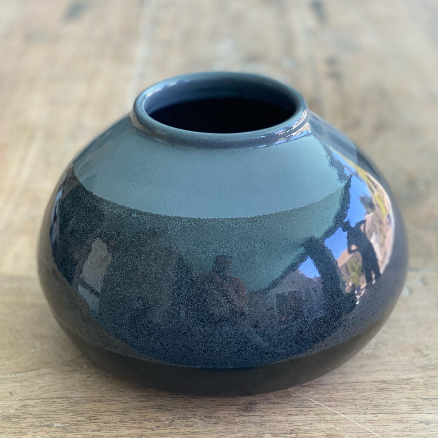 Large black and grey pot
