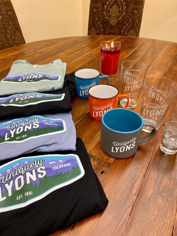 Uniquely Lyons short sleeve T-Shirt