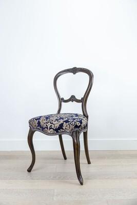 Chair Victoria