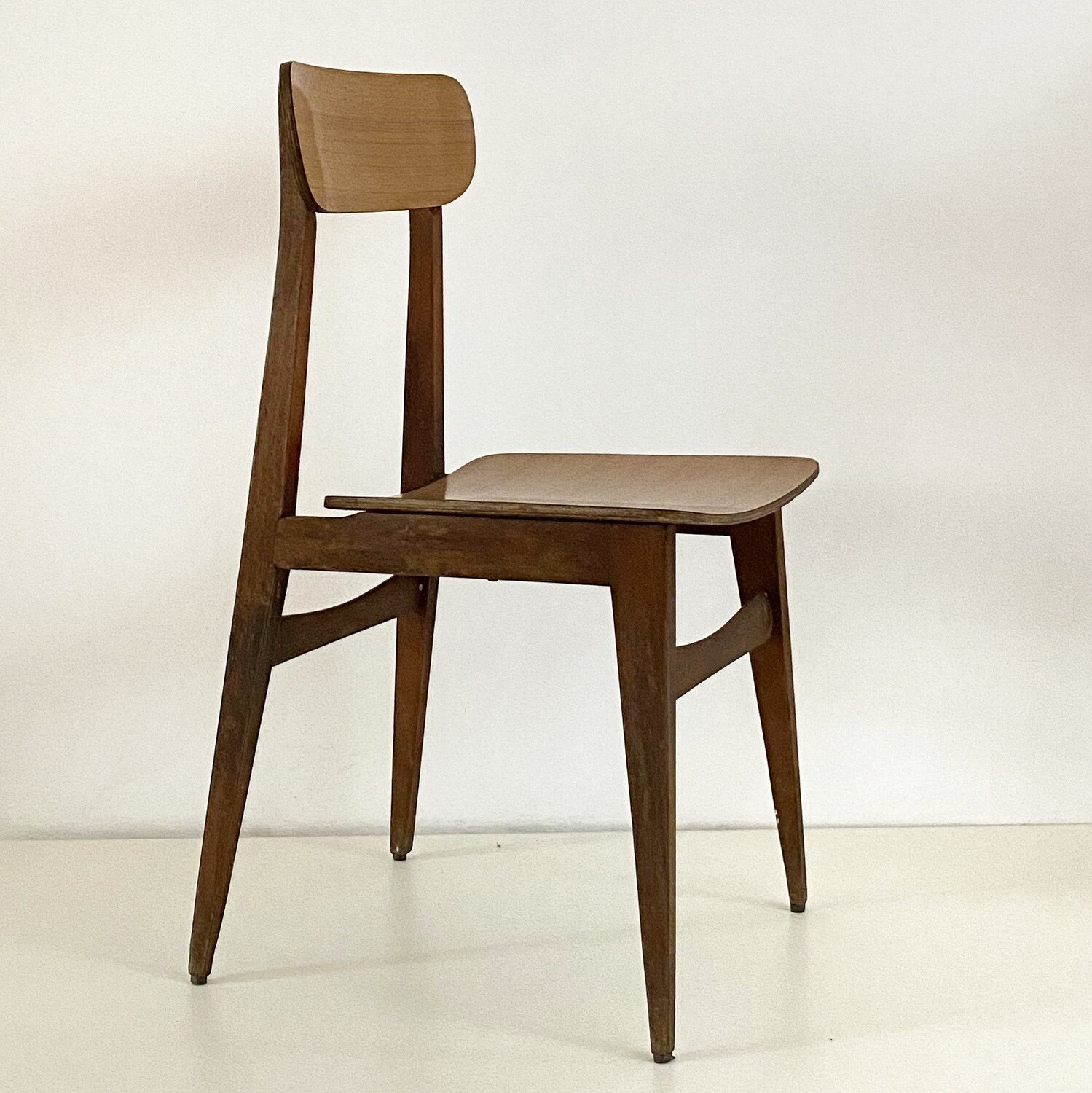 Set of 4 Chairs with solid wood structure and Formica seats