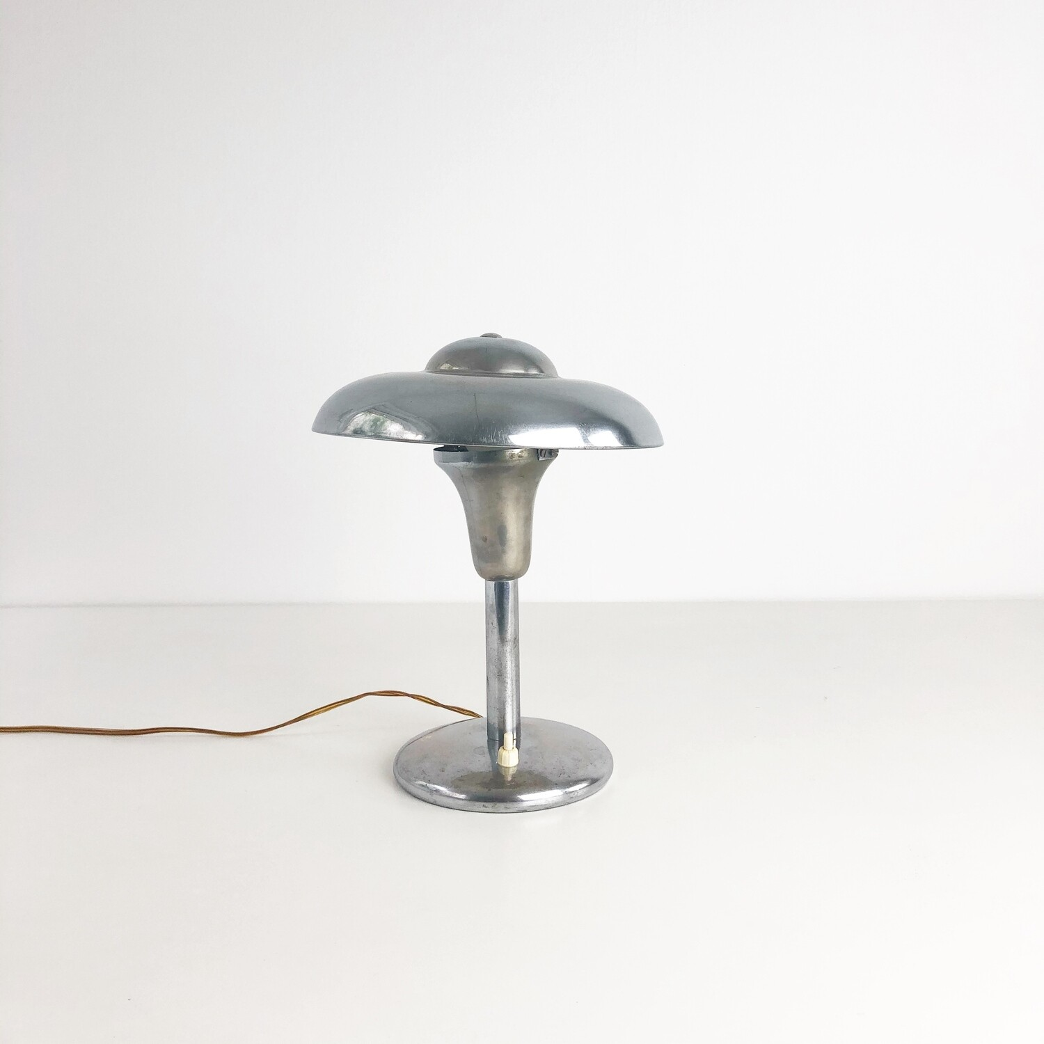 Bauhaus style table lamp in chromed metal from the 1930s