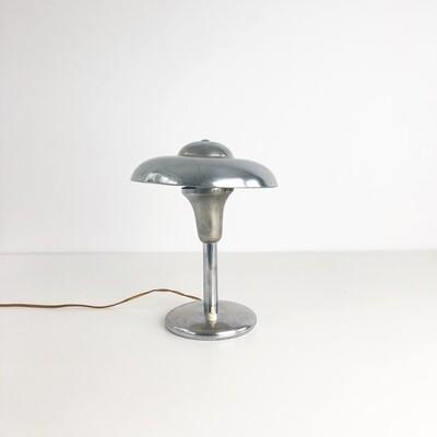 Lampada da tavolo in stile Bauhaus in metallo cromato anni '30