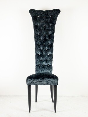 Throne chair in velvet