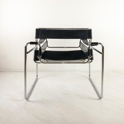 Sedia stile Wassily di Knoll design Marcel Breuer