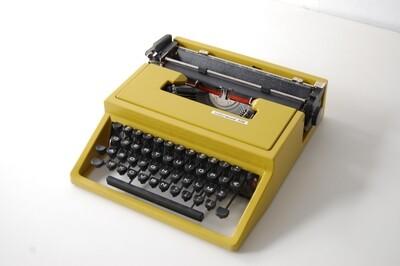 Macchina da scrivere Olivetti Underwood 310 Design Ettore Sottsass