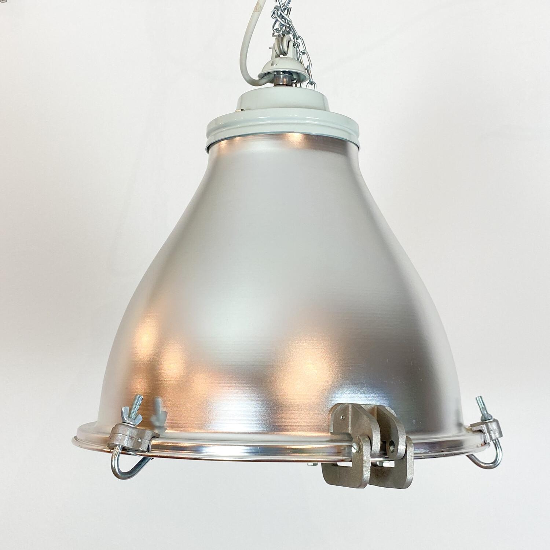 Lampada a sospensione in alluminio