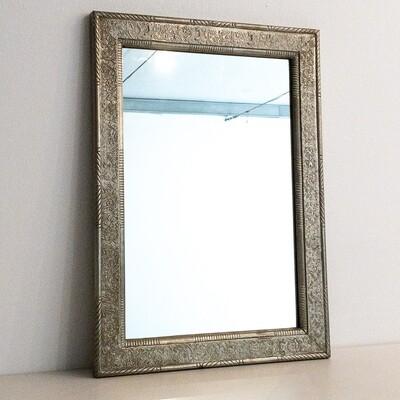 Specchio Vintage con cornice lavorata in alpacca