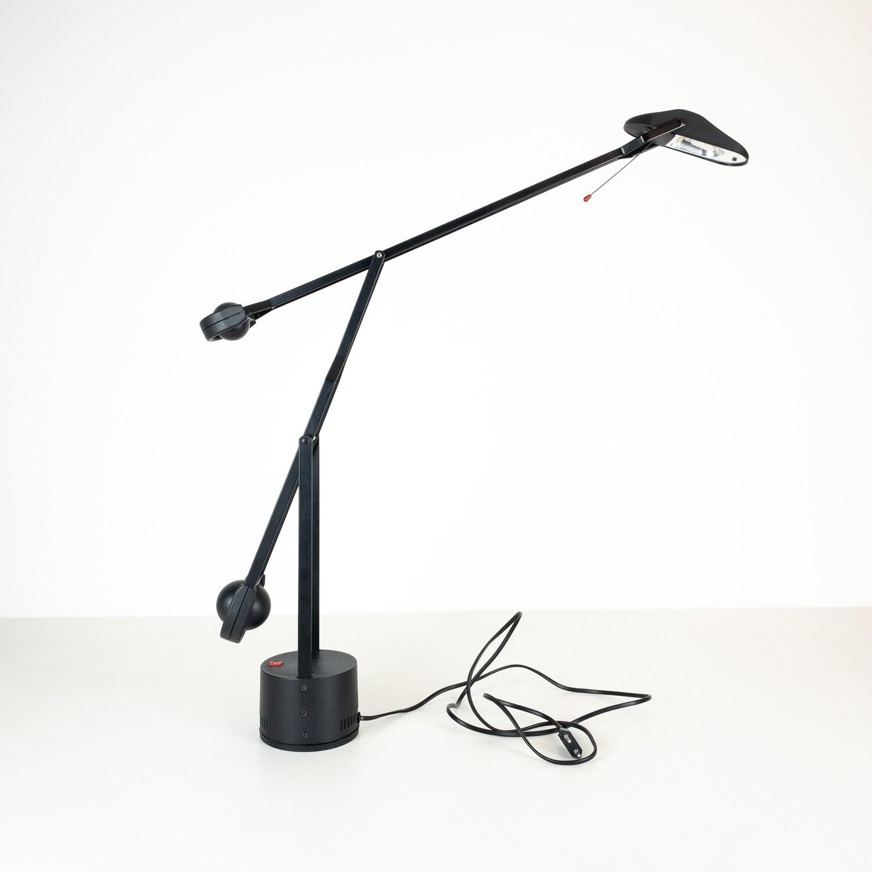 Black Swan table lamp