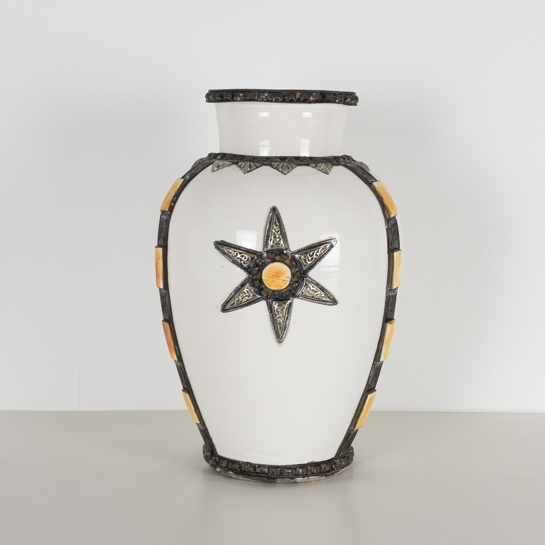 Stella Marina terracotta vase