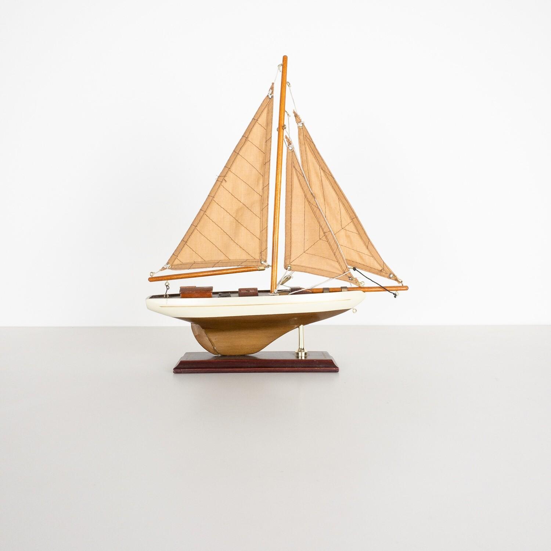 Modellino Barca a Vela Sloop