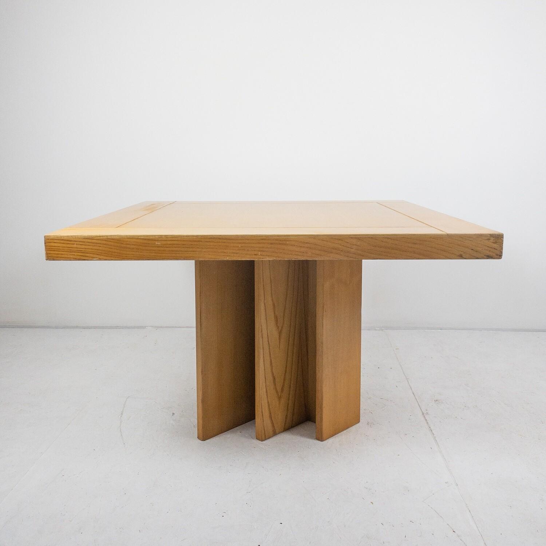 Tavolo in stile Carlo Scarpa