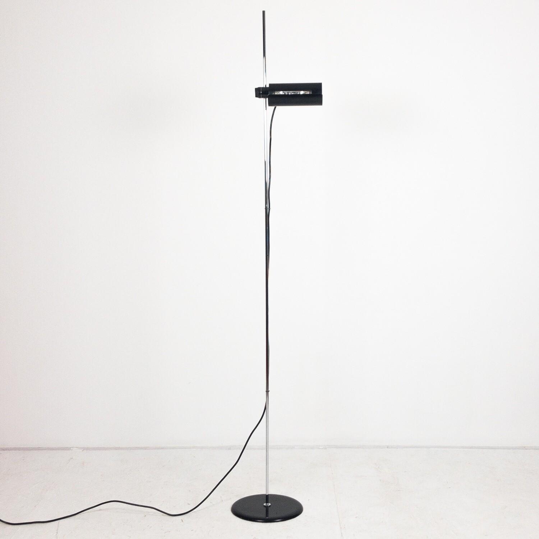 Dim 333 floor lamp design Vico Magistretti for Oluce 1975