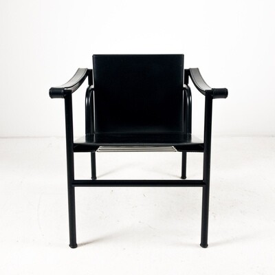 LC1 armchair design Le Corbusier, Pierre Jeanneret, Charlotte Perriand for Cassina